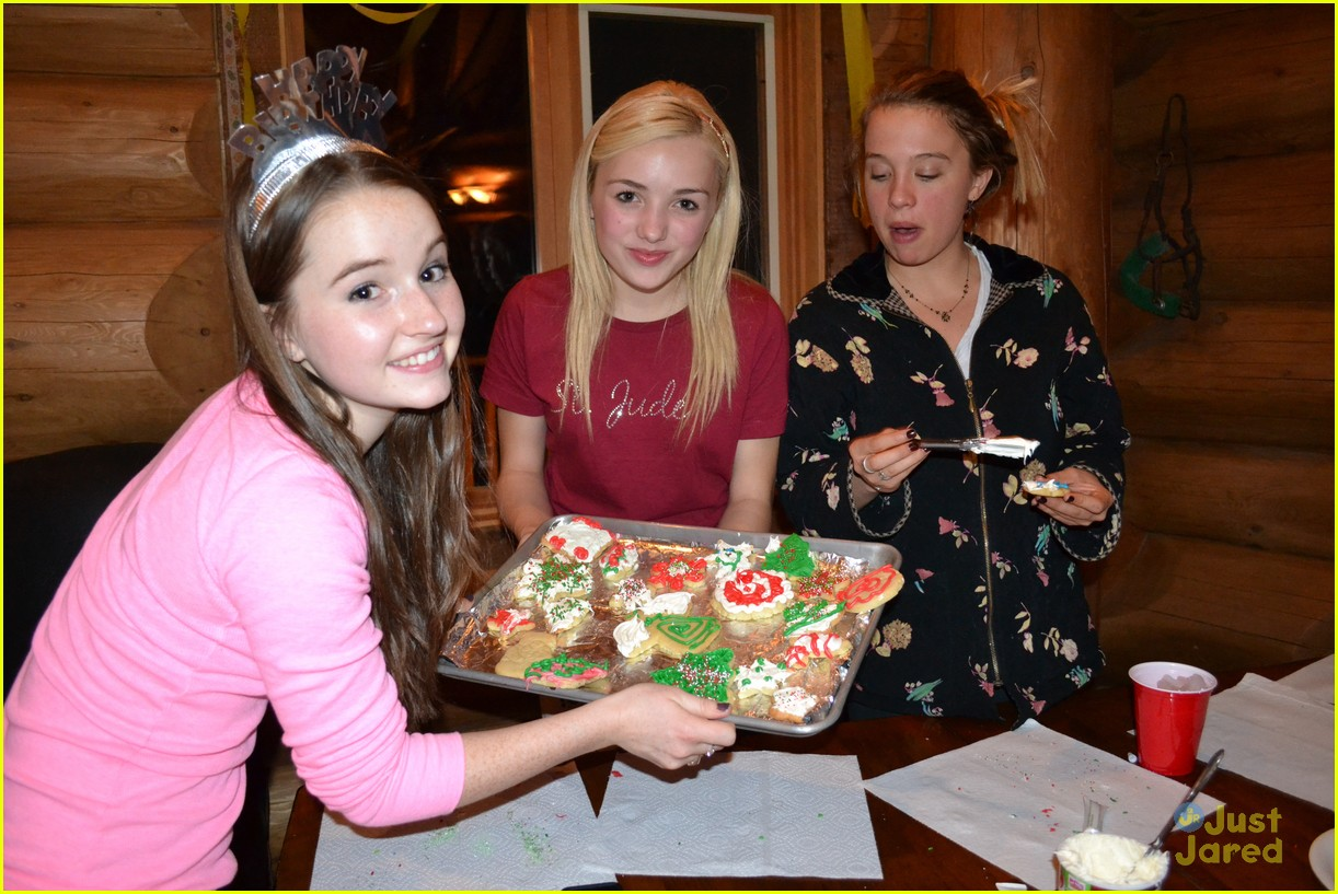 kaitlyn dever sweet 16 party pics 19