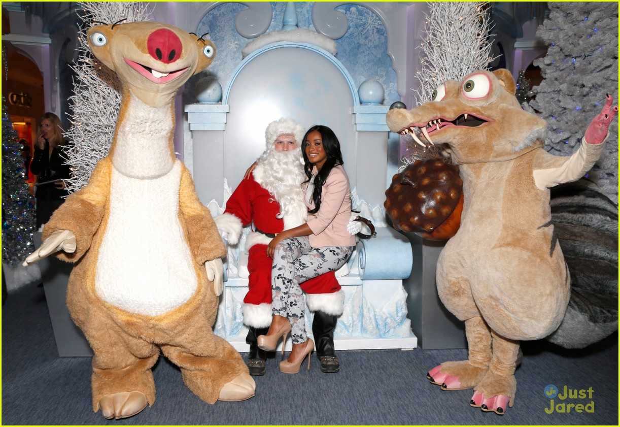 keke palmer sean berdy signing santa 04