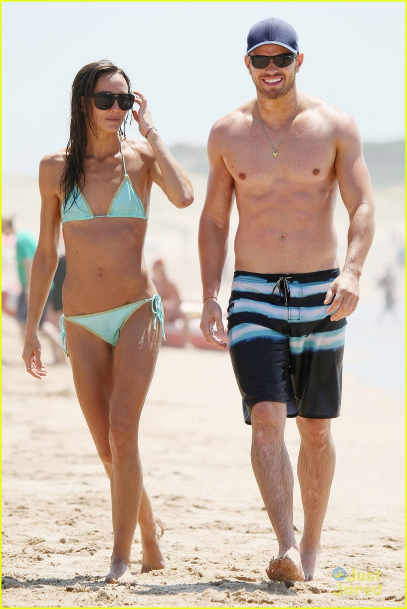 kellan lutz shirtless beach day with sharni vinson 24