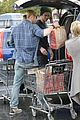 Liam-chris liam hemsworth shopping chris 04