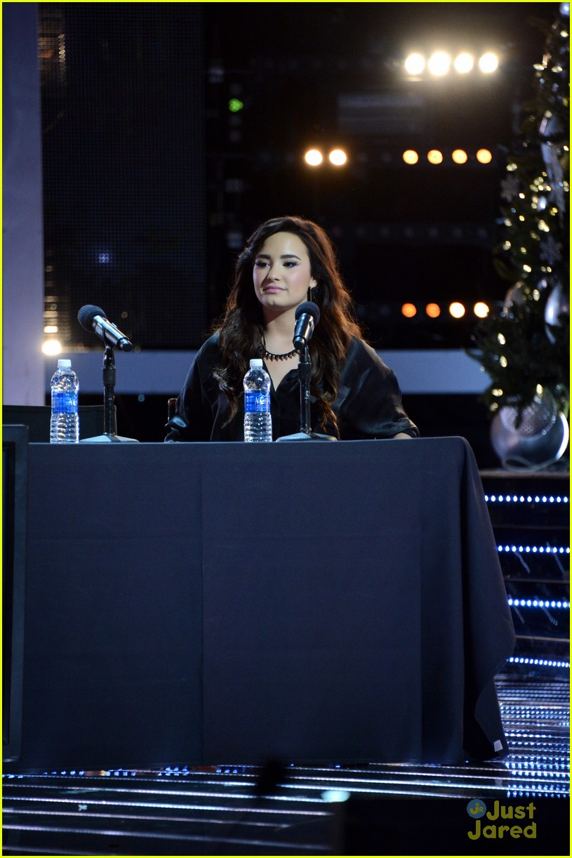 demi lovato xfactor news conference 15