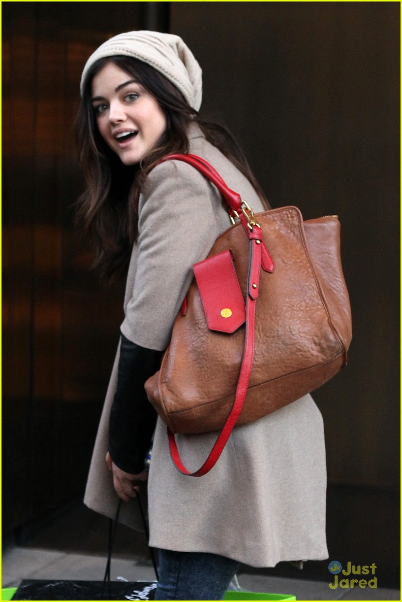 lucy hale ashley benson nyc hotel 01