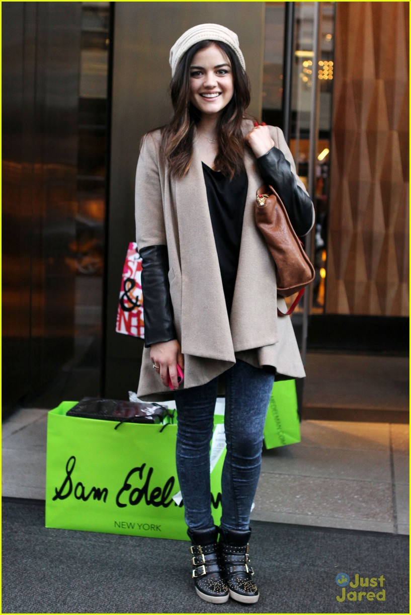 lucy hale ashley benson nyc hotel 05