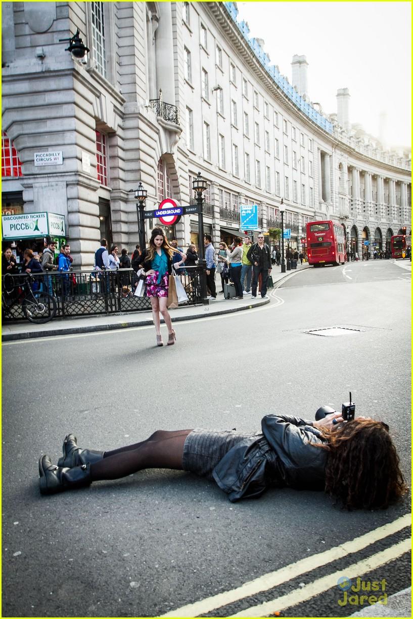 laura marano austin ally london 04