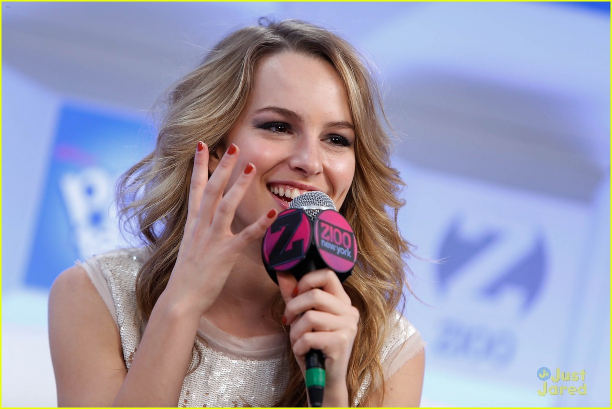 bridgit mendler tampa jingle ball 03