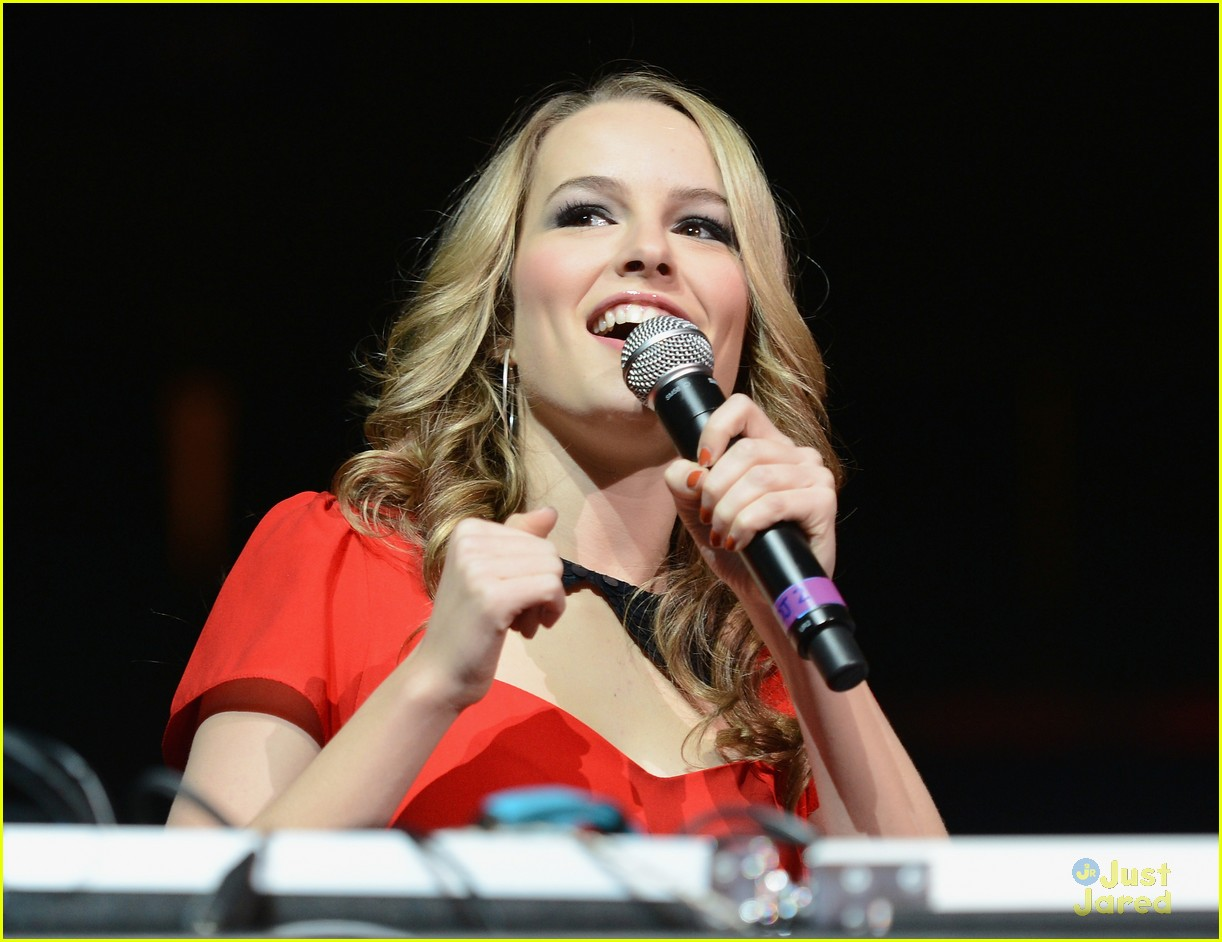 bridgit mendler tampa jingle ball 16