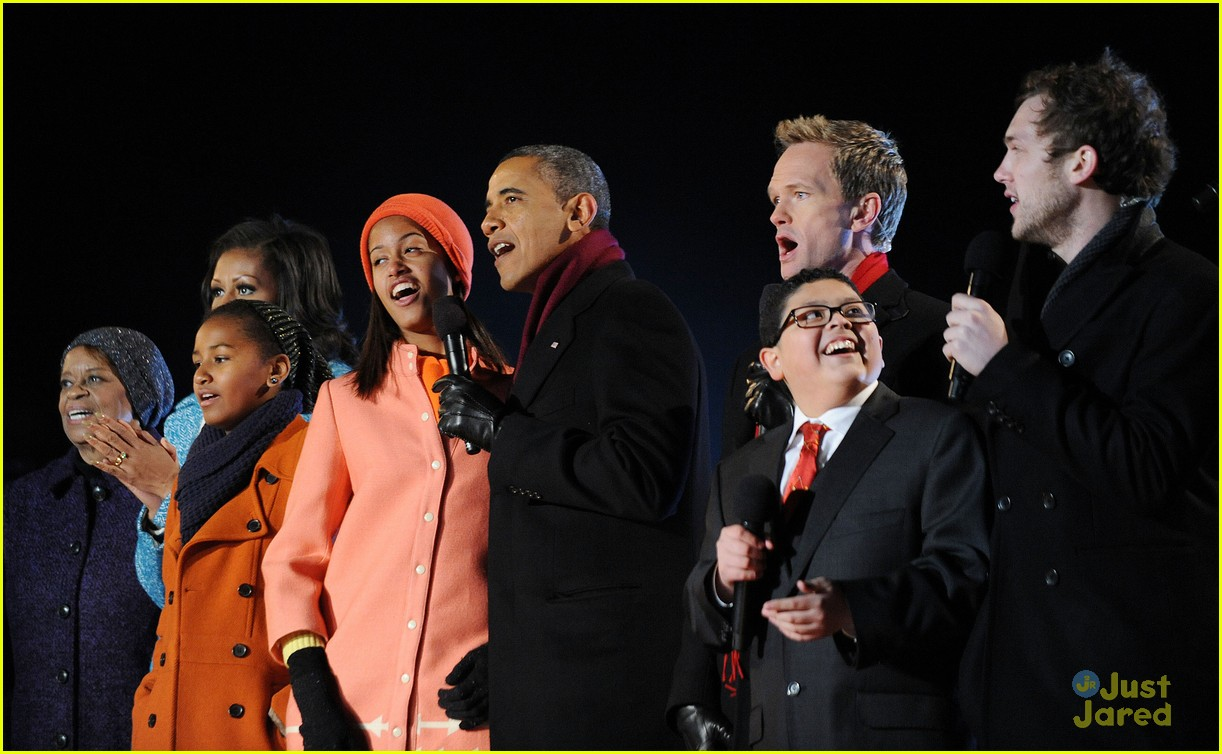 rico rodriguez phillip phillips tree lighting 08