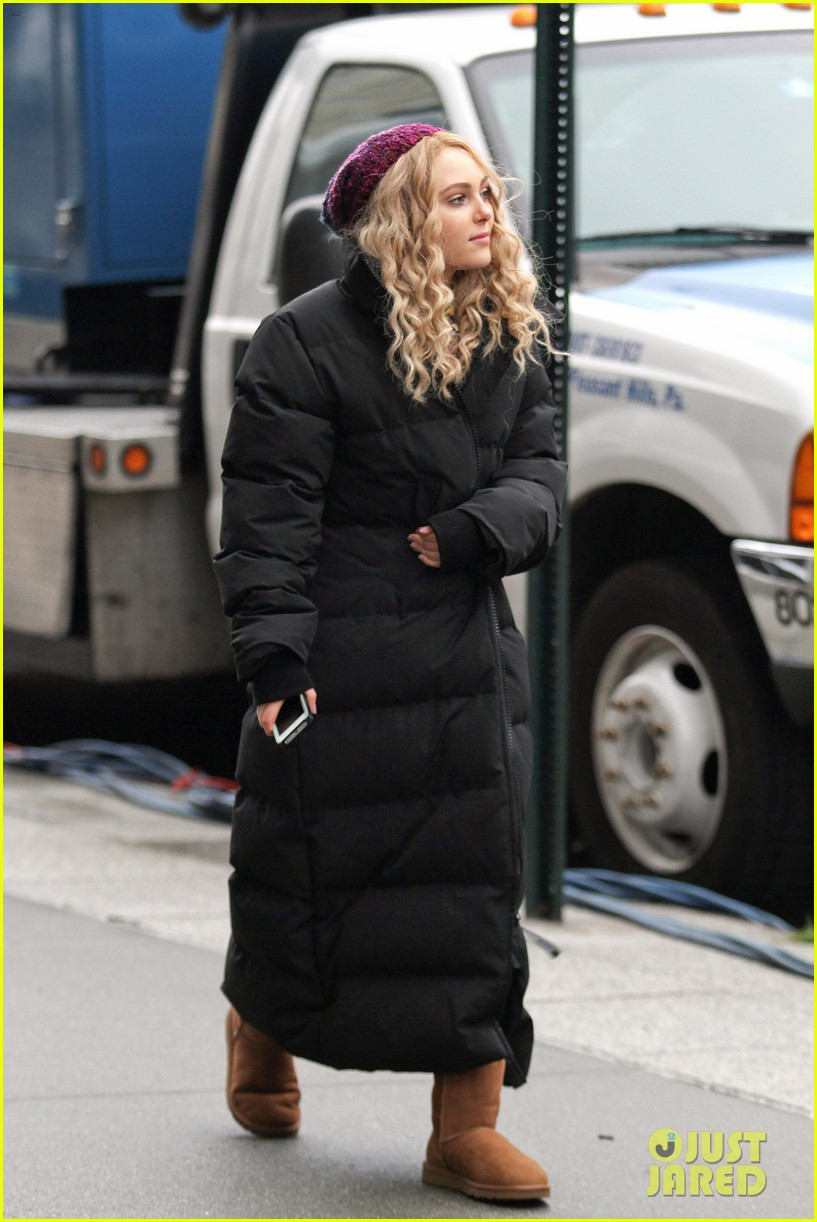 annasophia robb the carrie diaries set 09