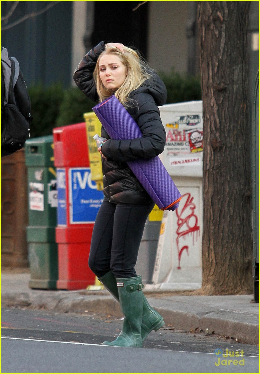 annasophia robb belated bday 01