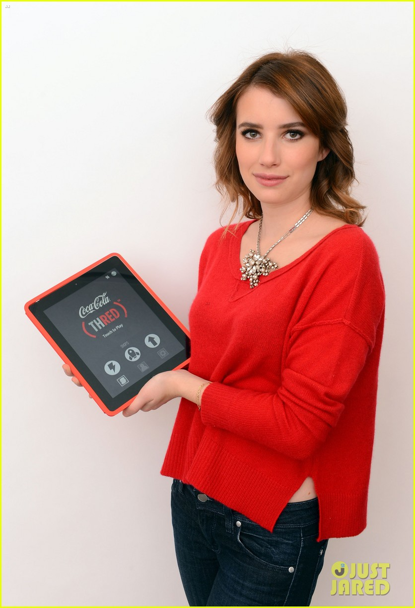 emma roberts play thred save lives 06