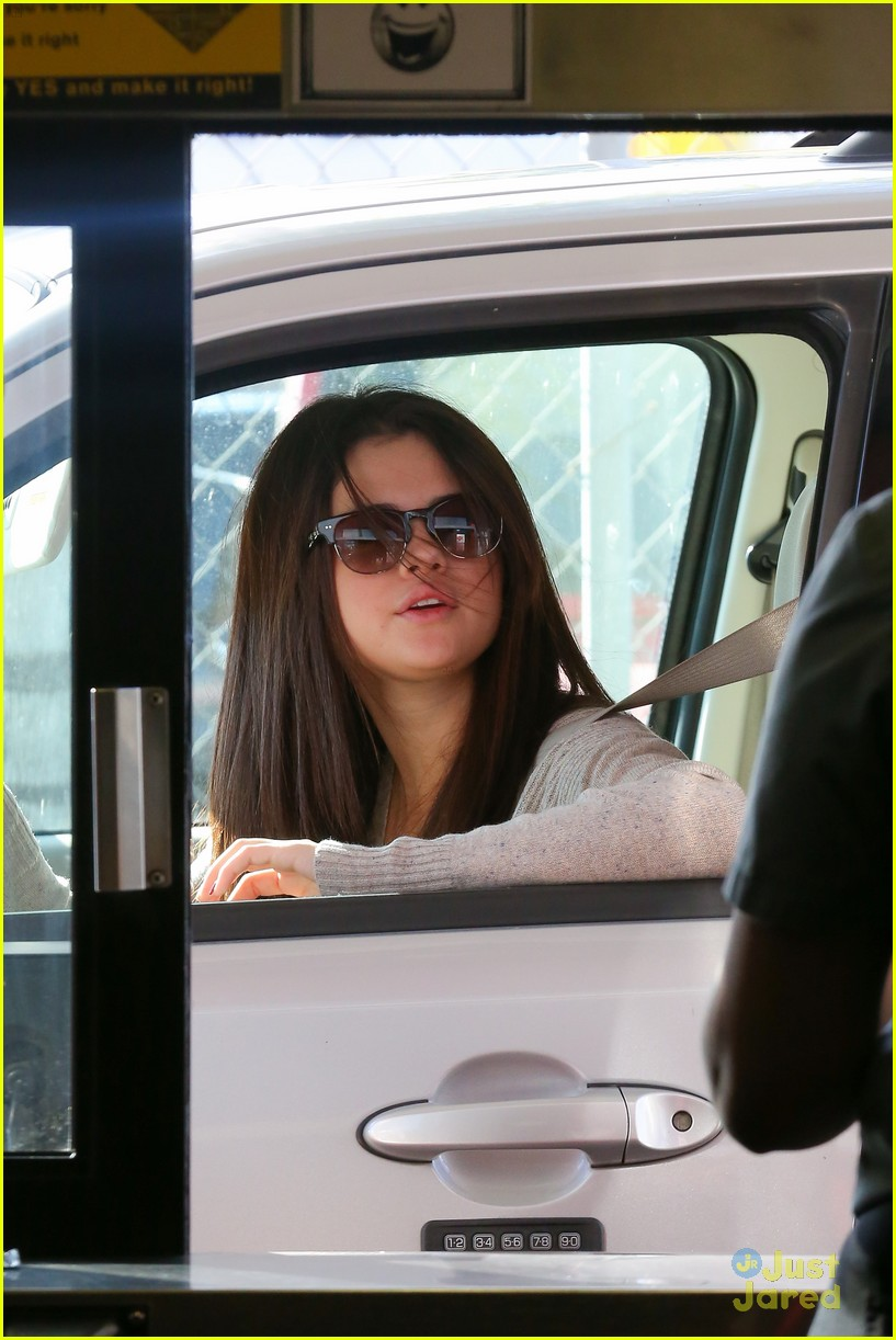 selena gomez jack box run 01