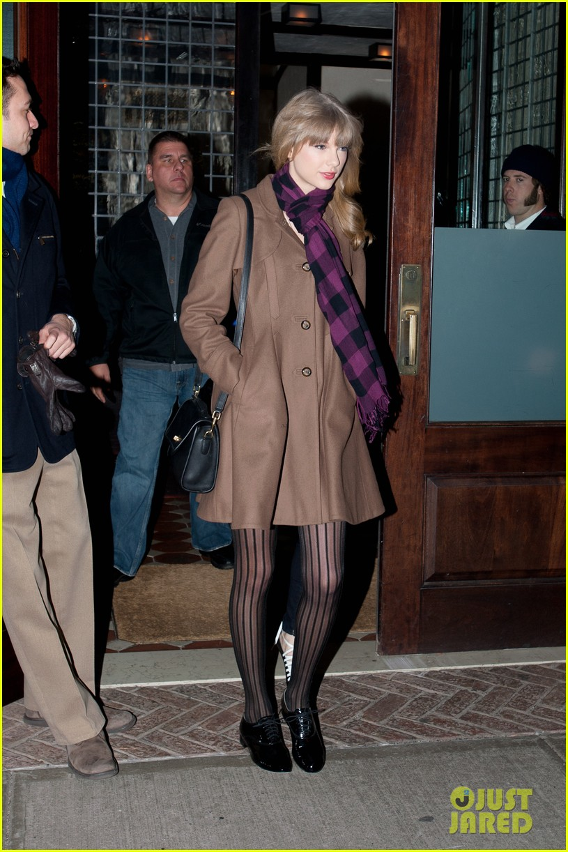 taylor swift back in nyc 01