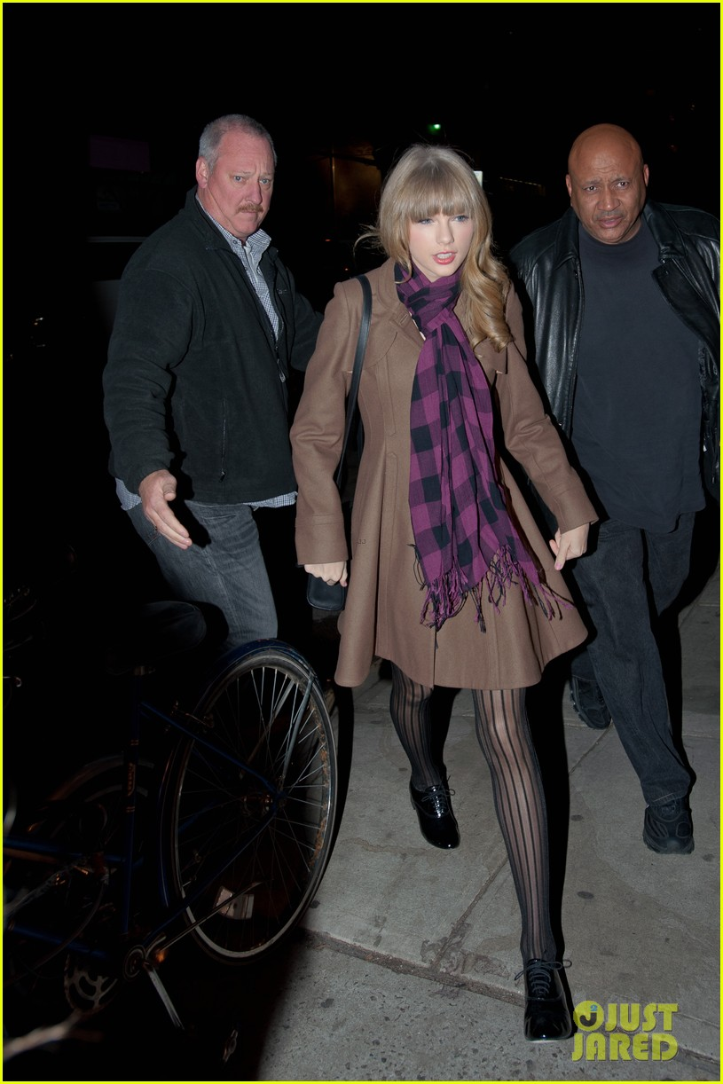 taylor swift back in nyc 05