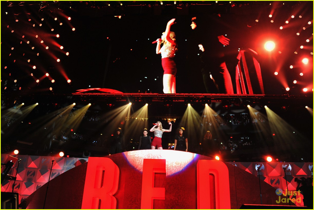 taylor swift z100 jingle ball 31