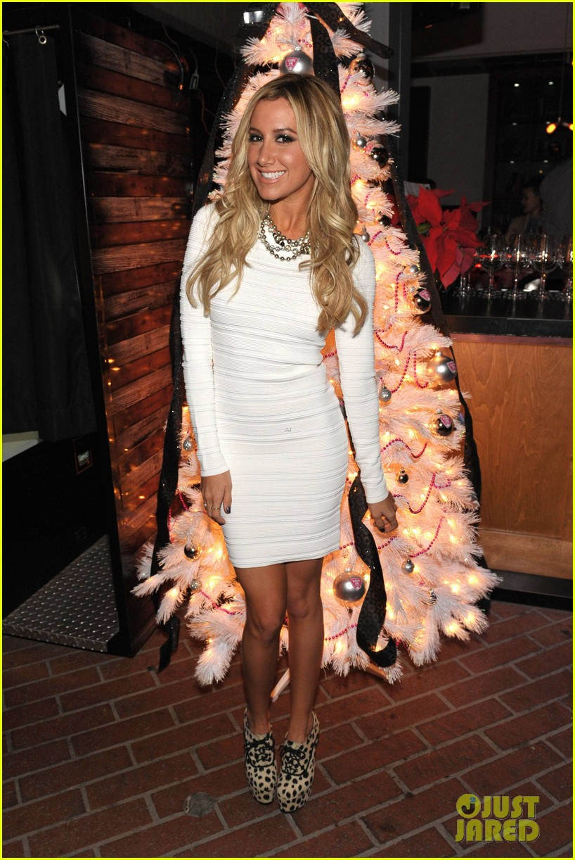 ashley tisdale blondie girl holiday party 12