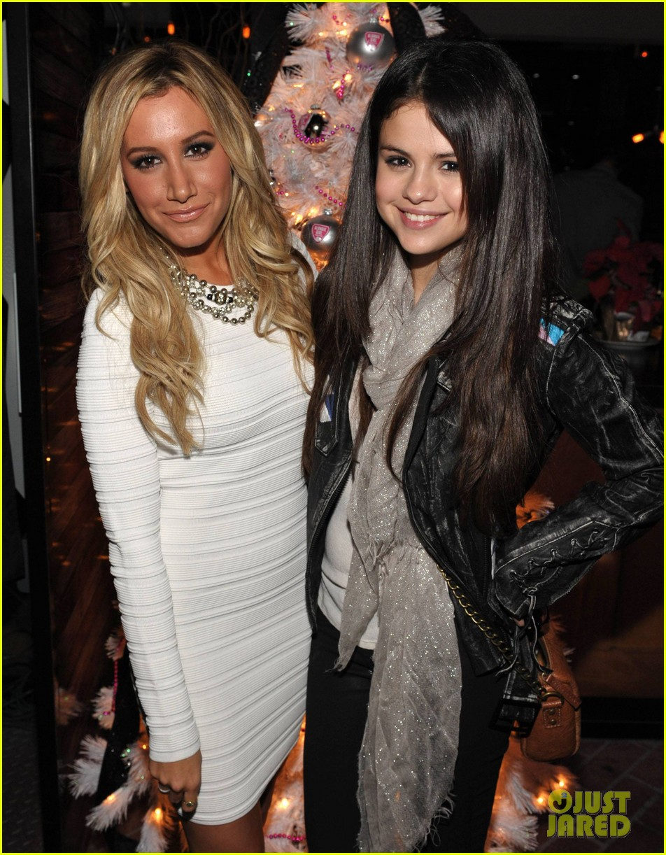 ashley tisdale blondie girl holiday party 28