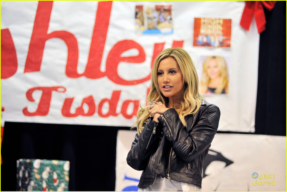 ashley tisdale puma las best 02