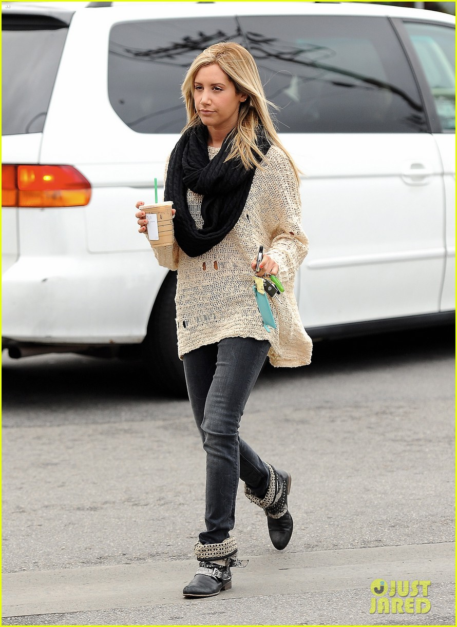 ashley tisdale starbucks studio city 17
