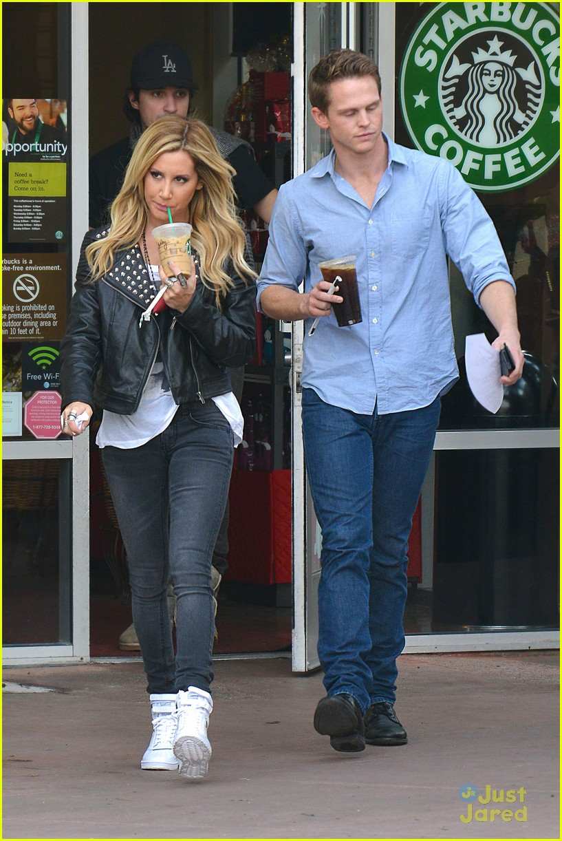 ashley tisdale starbucks trader joes 10
