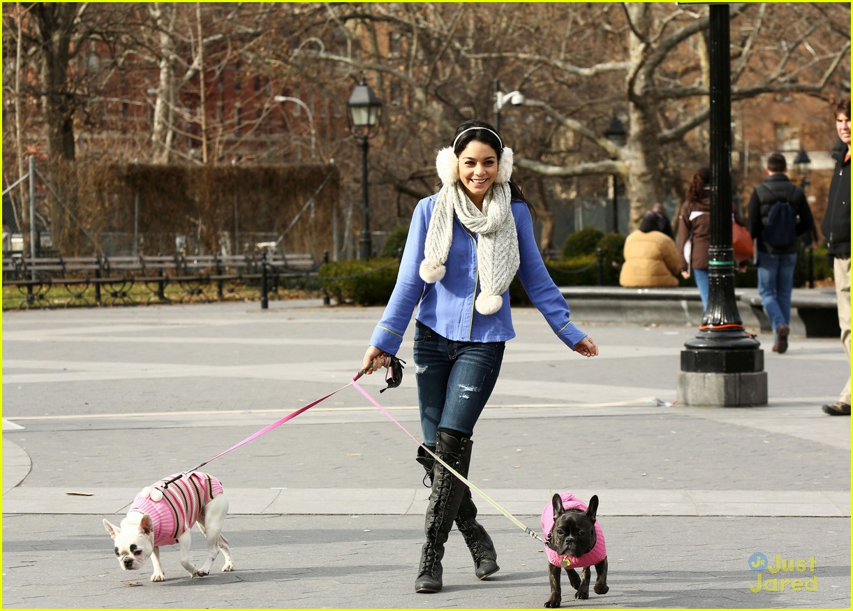 vanessa hudgens dog walking 02