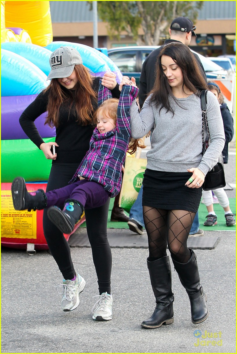 ariel winter slide skylar 13