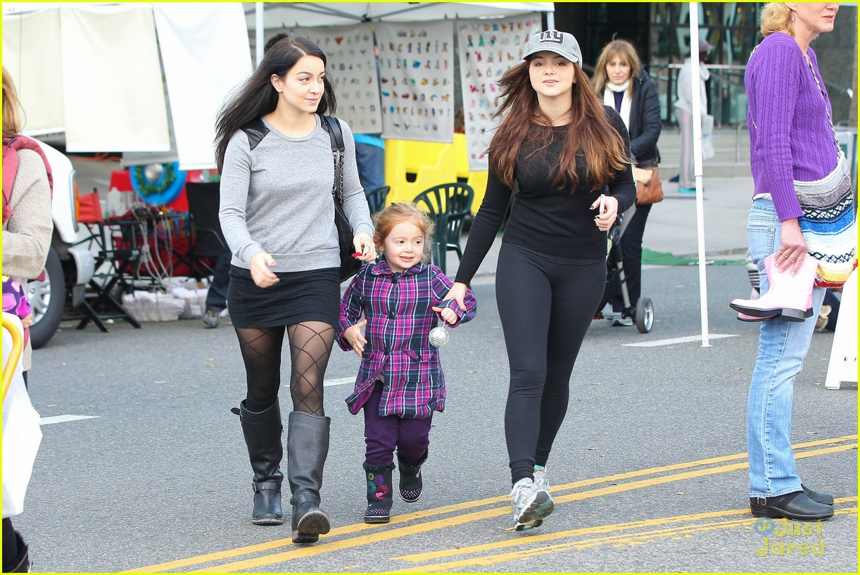 ariel winter slide skylar 25