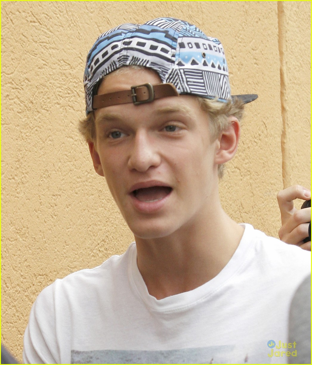 cody simpson in store signing 04