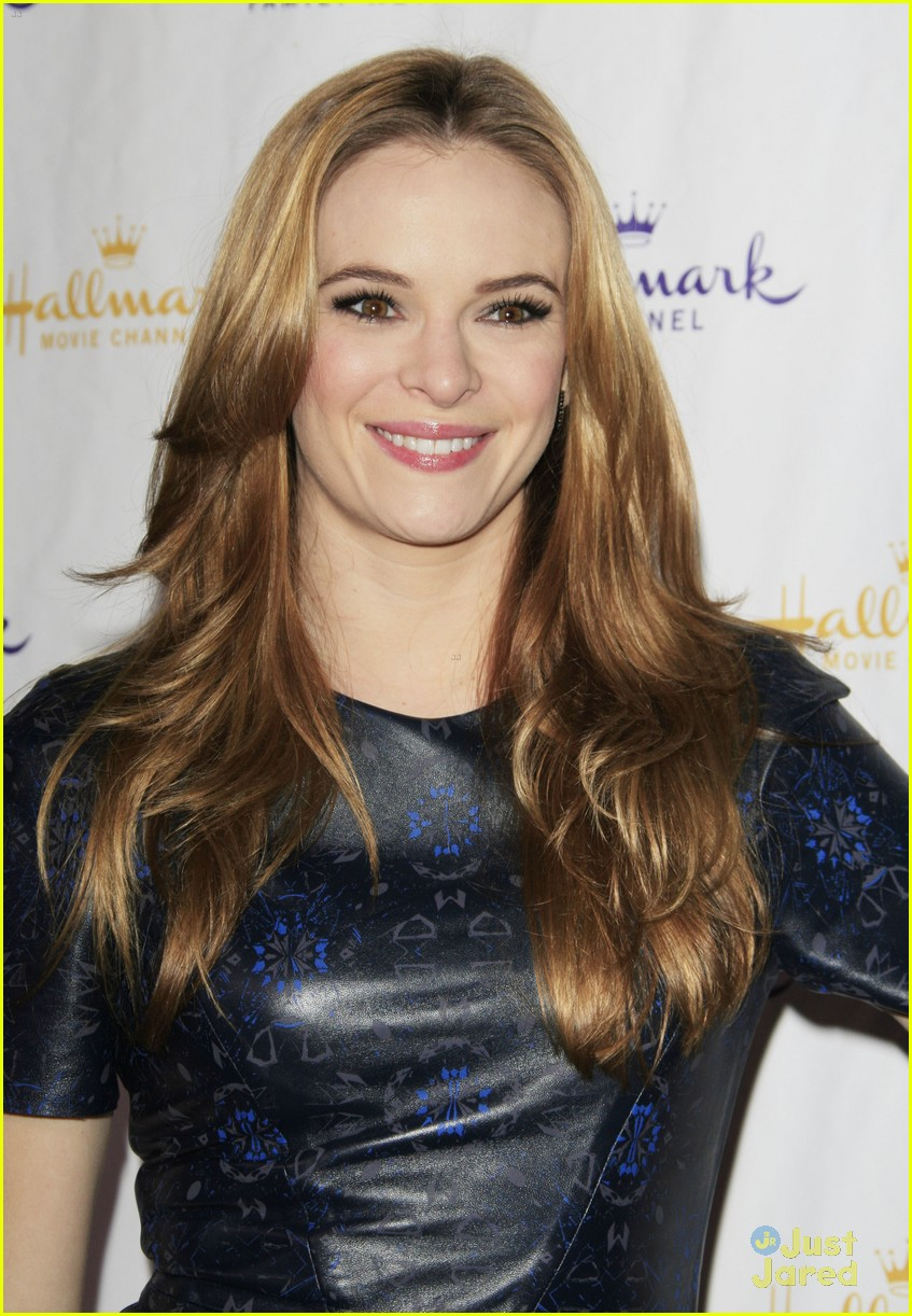 danielle panabaker hallmark party 04