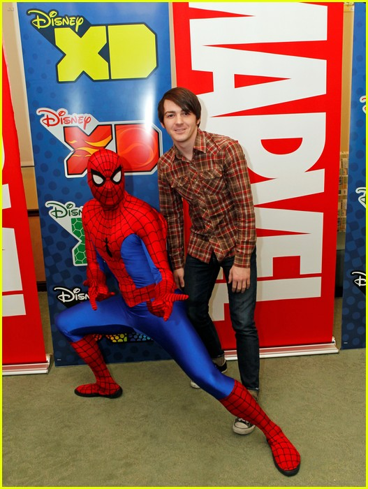 drake bell read with marvel 05