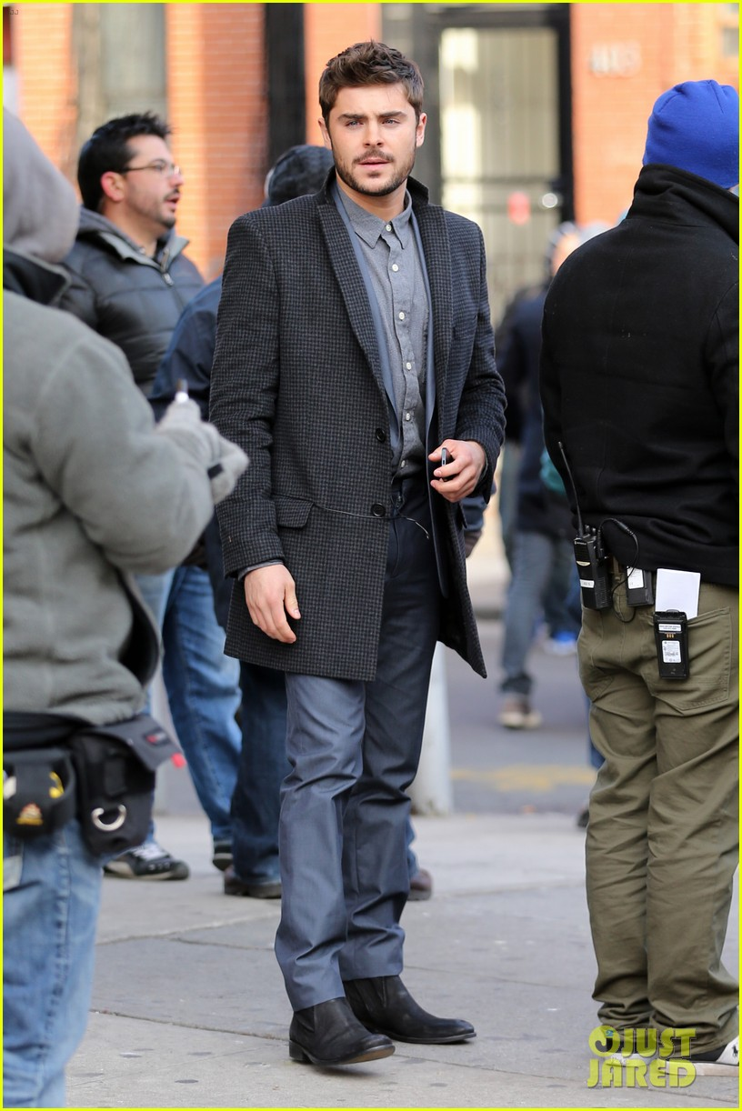 zac efron bearded in brooklyn 02