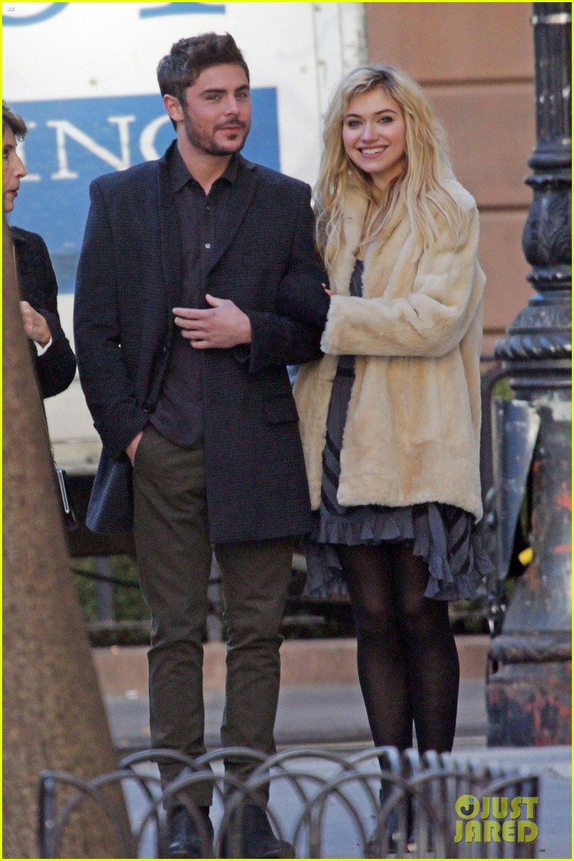 zac efron imogen poots cute stroll 05