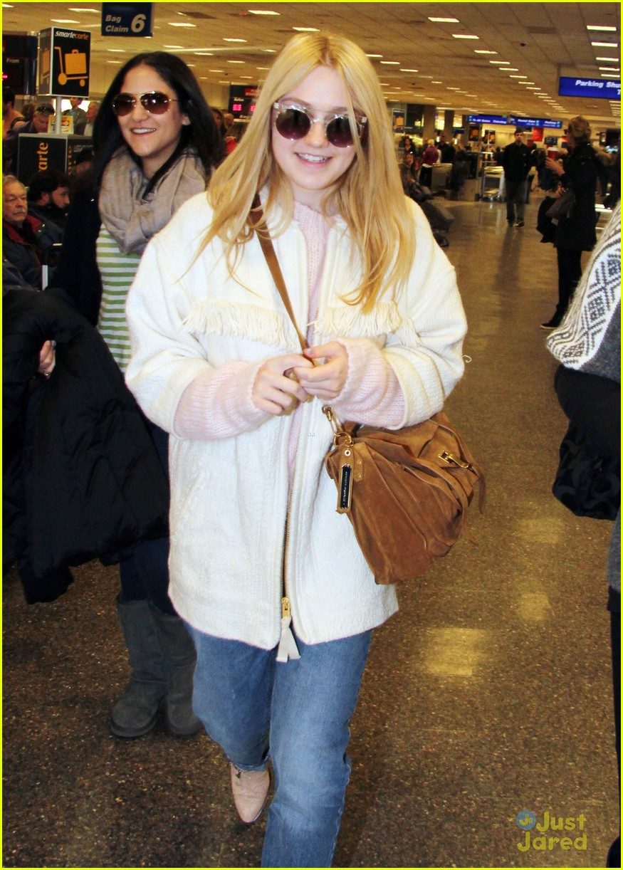 dakota fanning slc takeoff 01
