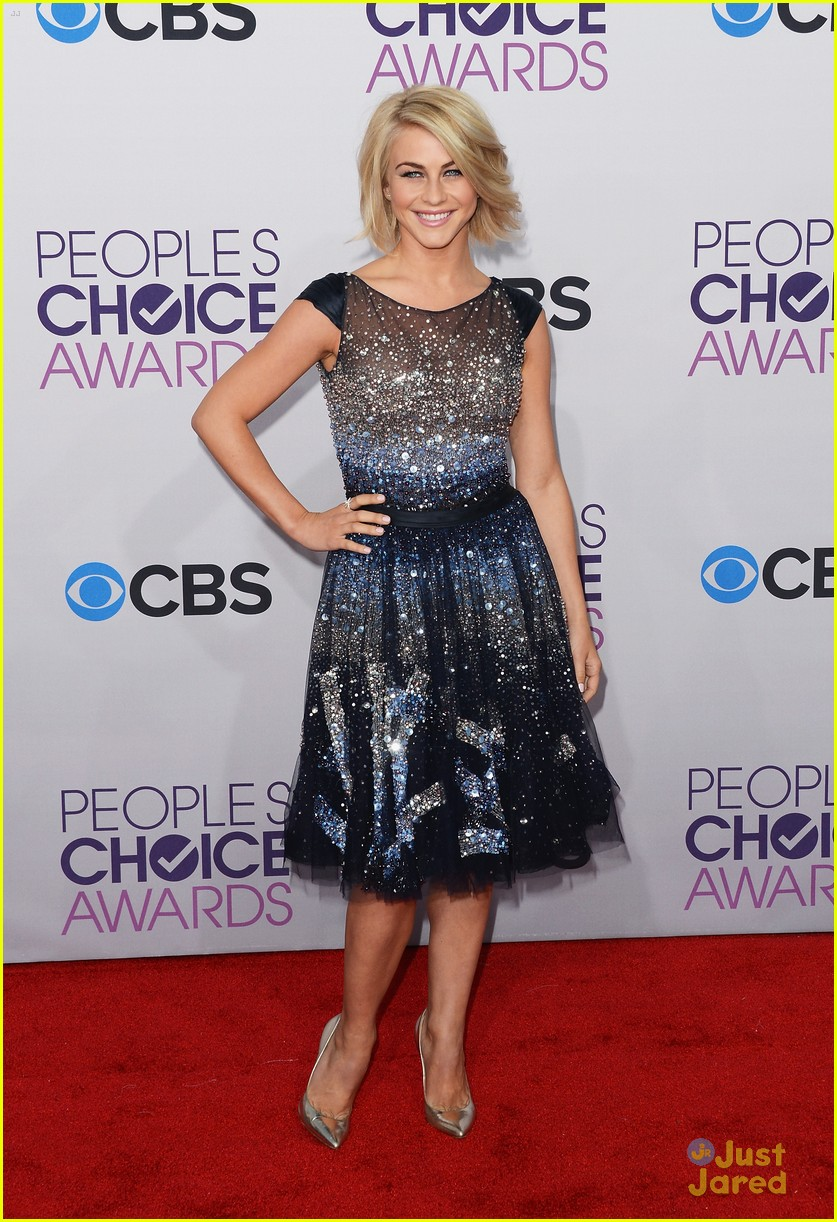 julianne hough pca 2013 01