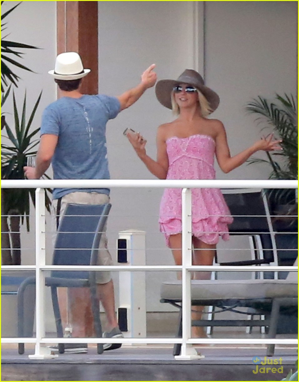 julianne hough pink dress barths 05