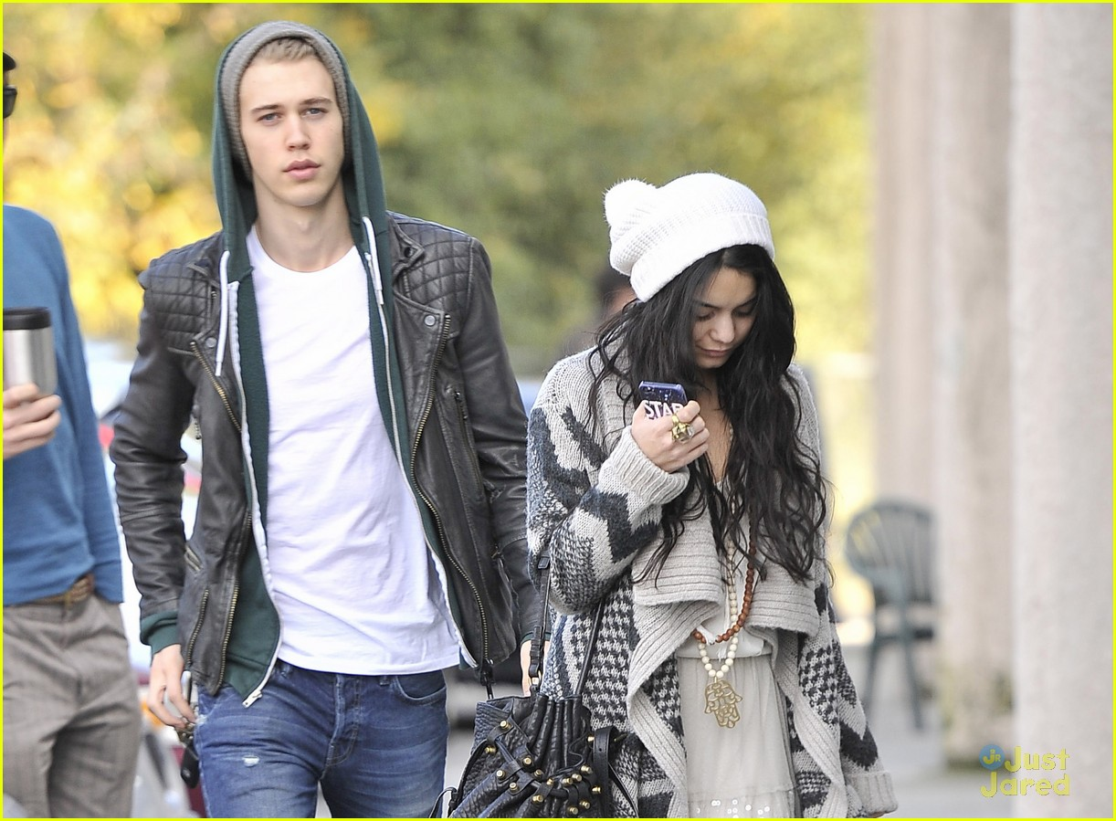 vanessa hudgens lets have an amazing 2013 03