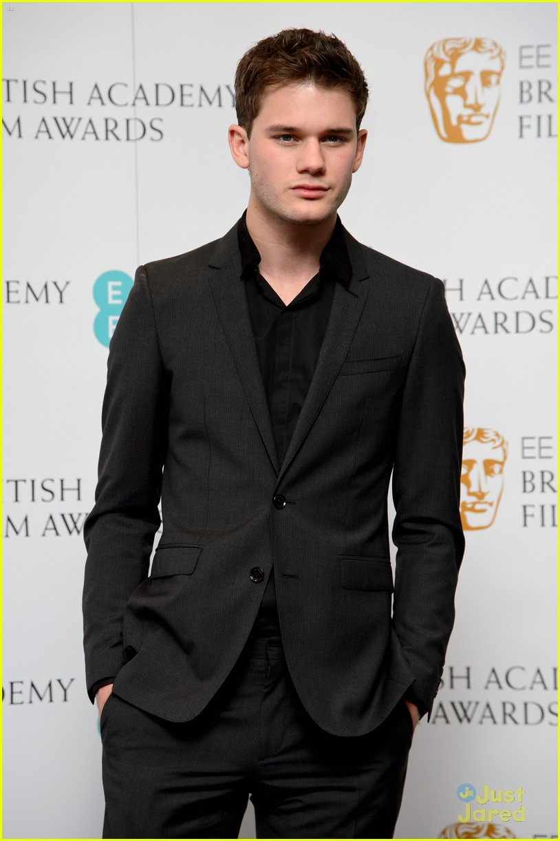 jeremy irvine bafta nominations 08
