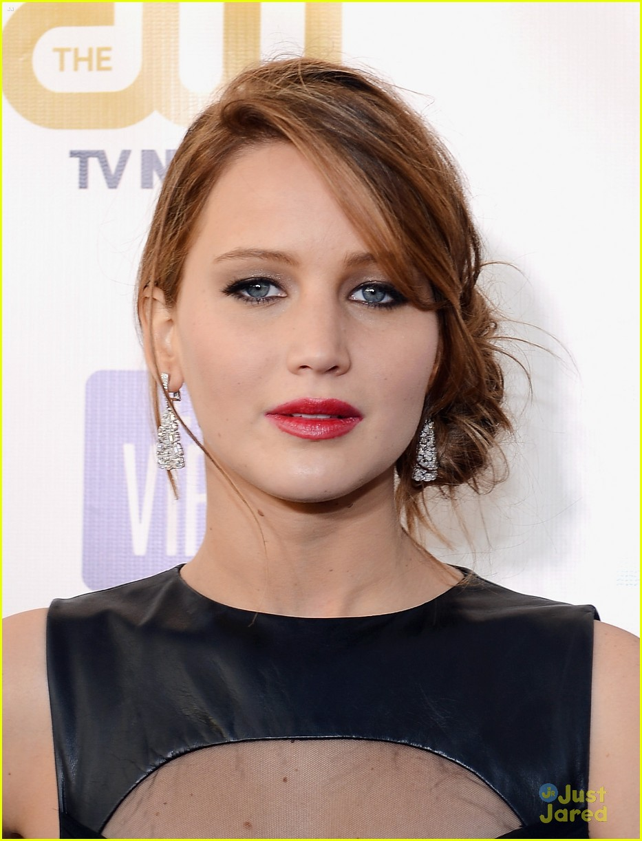 jennifer lawrence critics choice winner 03