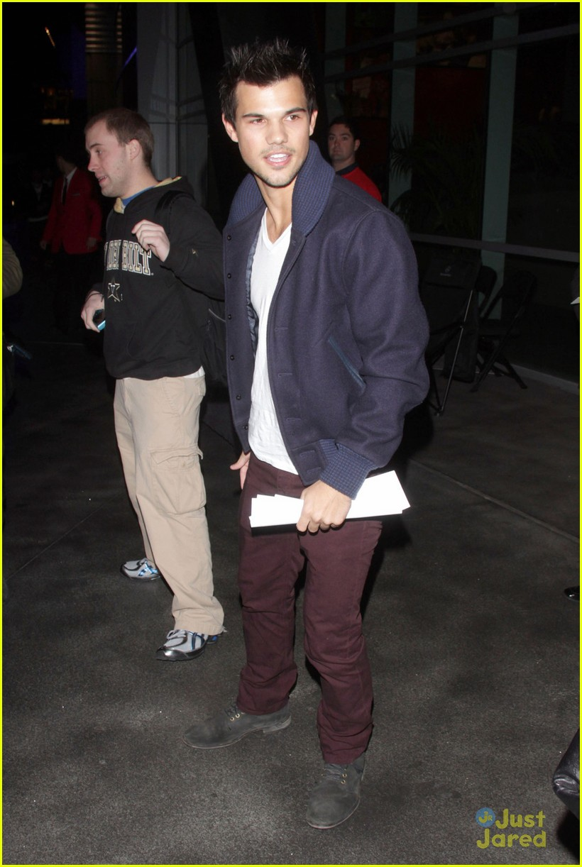 taylor lautner clippers game 04