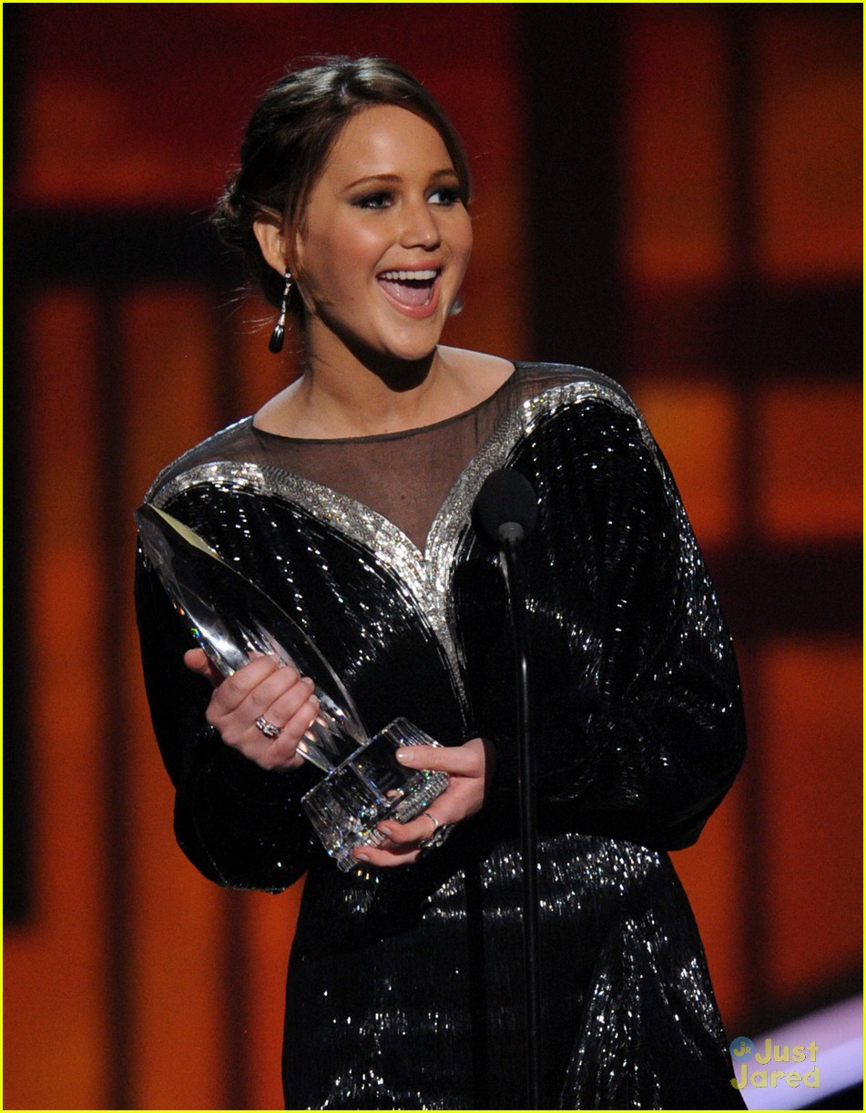 jennifer lawrence pcas 2013 07
