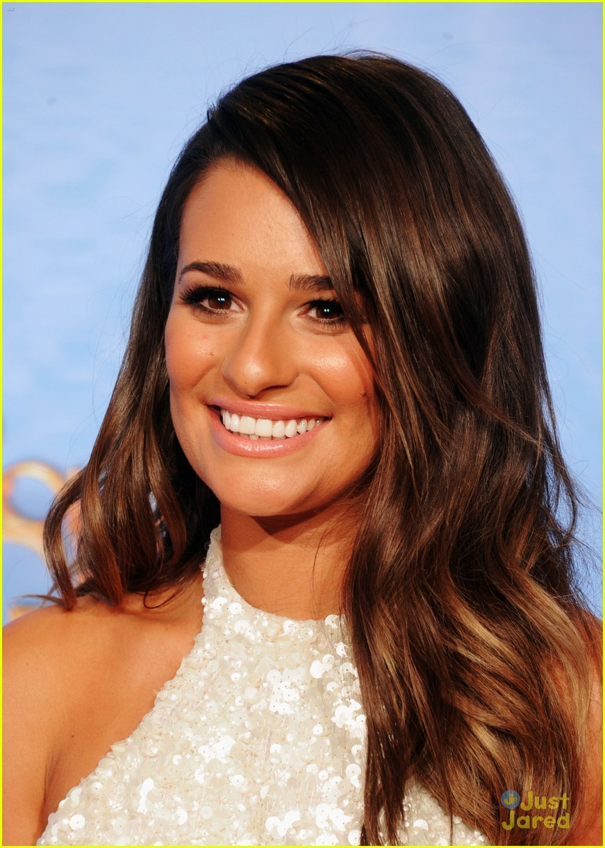lea michele golden globes 08