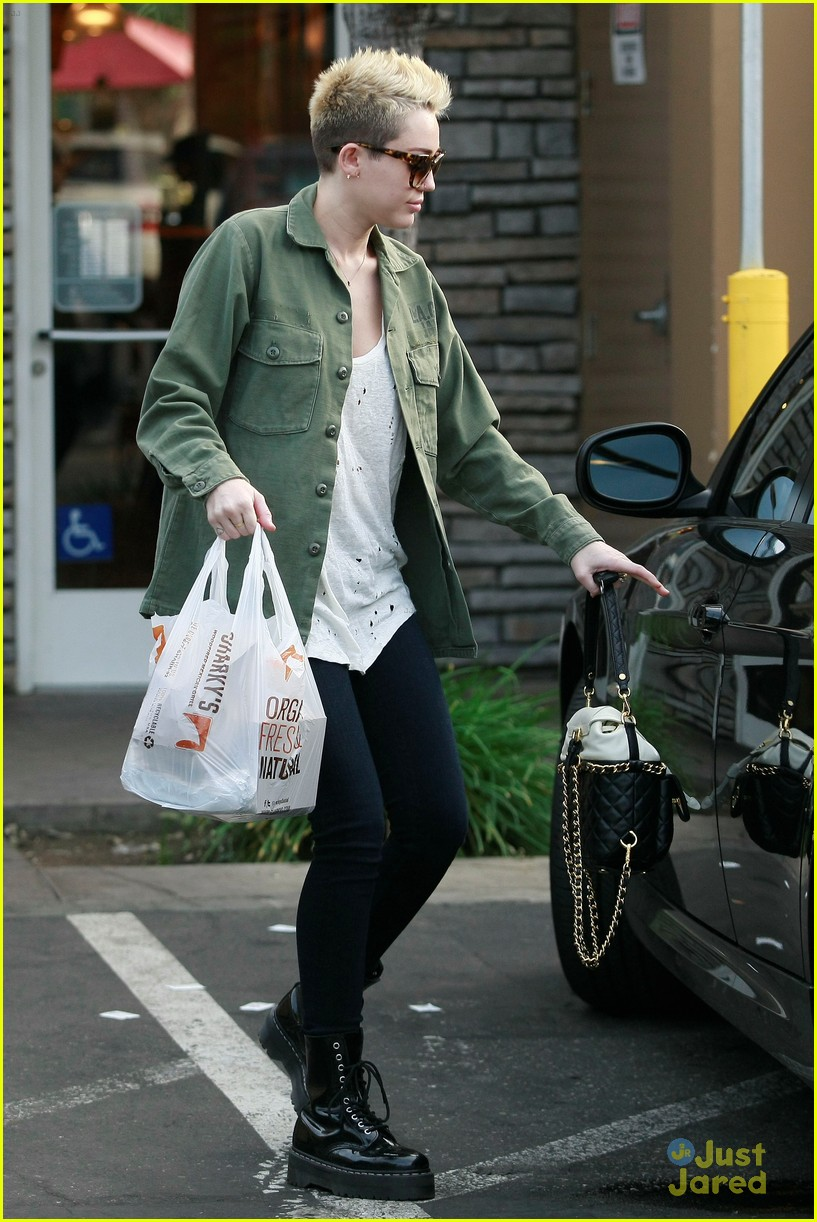 miley cyrus sharkys take out 07
