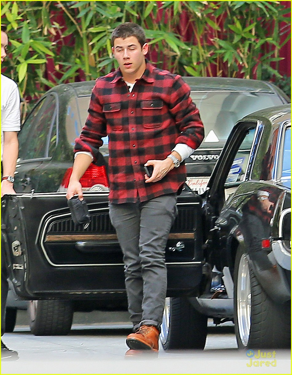nick jonas plaid meetings 04