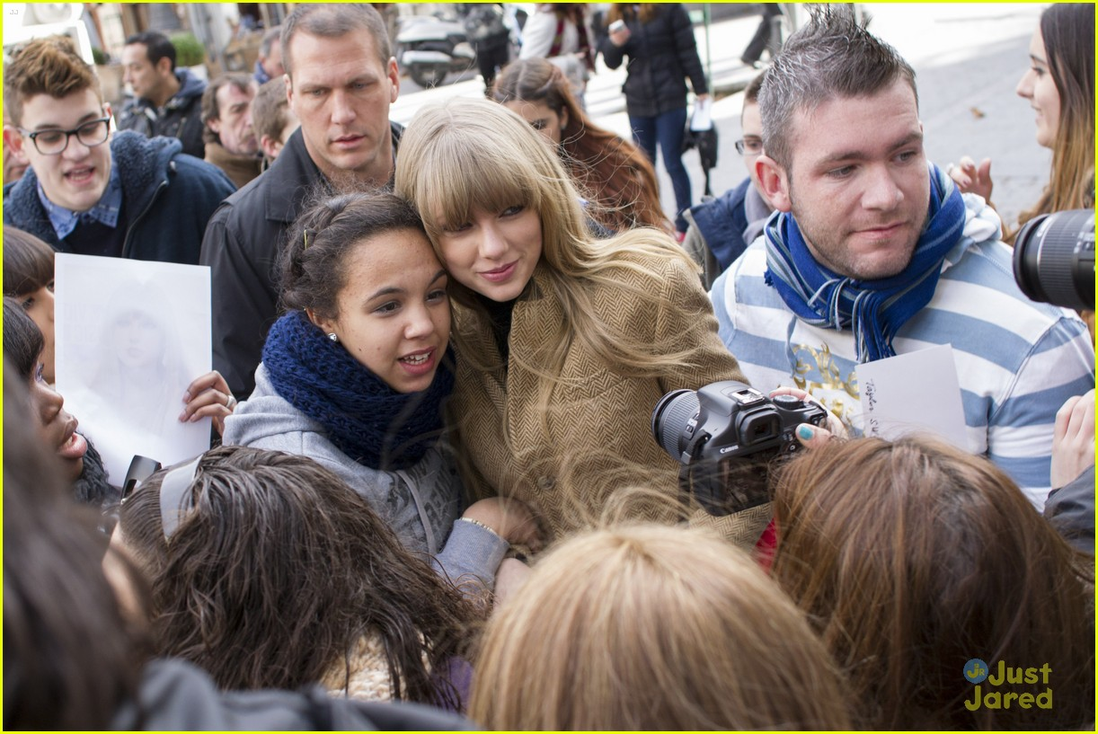 taylor swift rapunzel ad madrid 11
