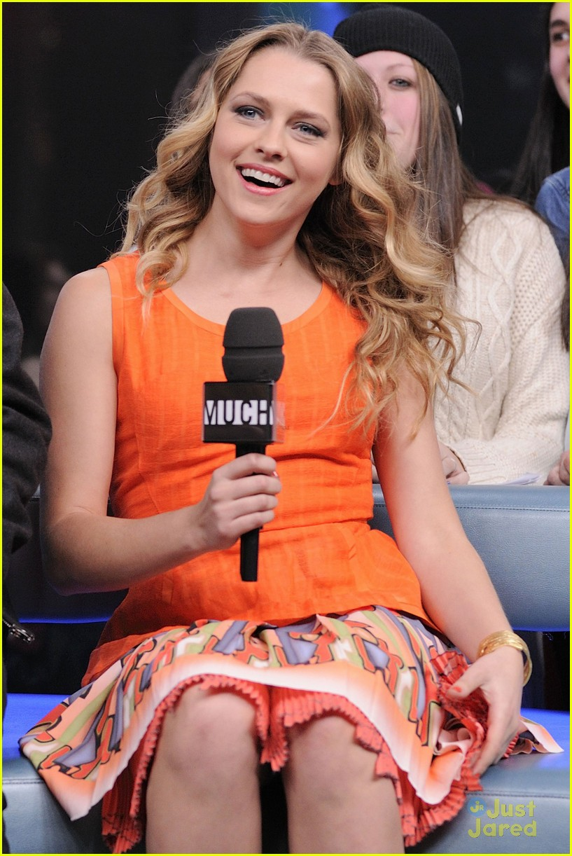 teresa palmer nicholas hoult nml 06