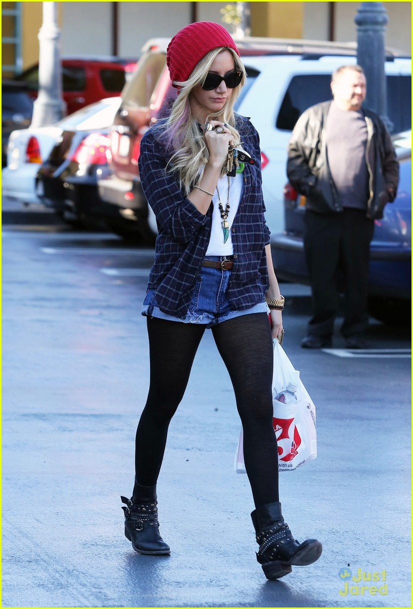 ashley tisdale road trip 15