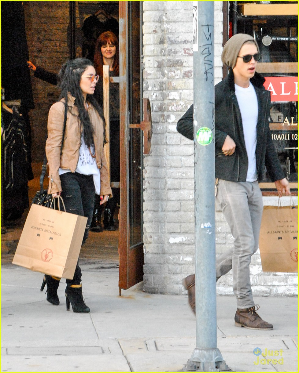 vanessa hudgens austin butler allsaints 07