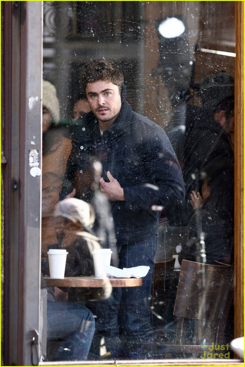 zac efron coffee muffs miles teller 02