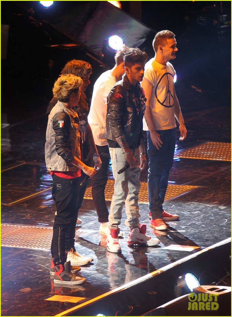 one direction o2 arena performance 12