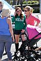 Ariel-julie ariel winter julie bowen farmers market meet up 07