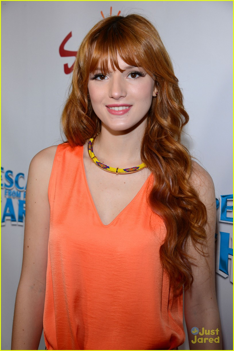 bella thorne escape earth premiere 04